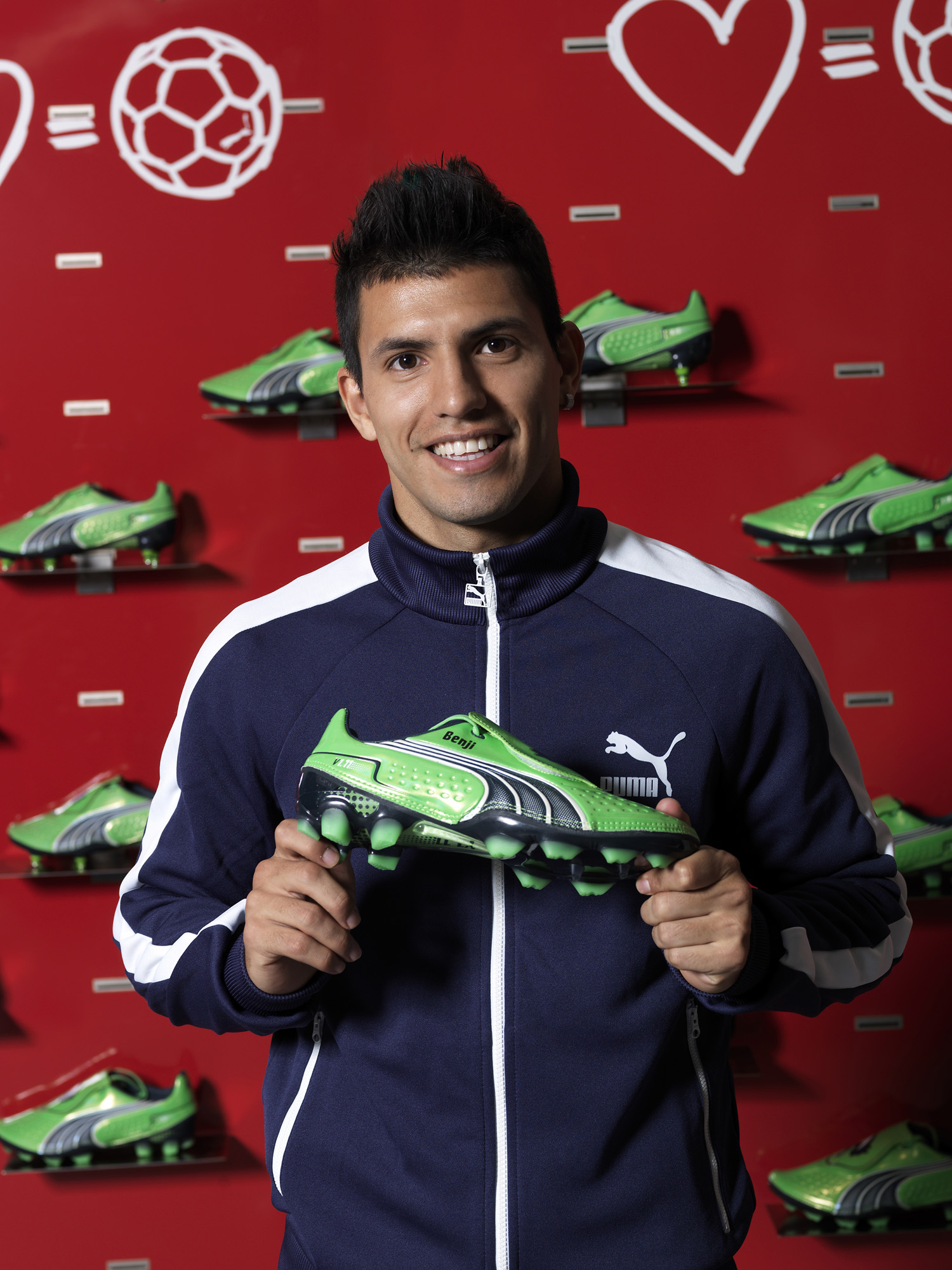 2524b2666 QUALITY PRODUCTS FROM PARIKH GROUP. aguero boots puma