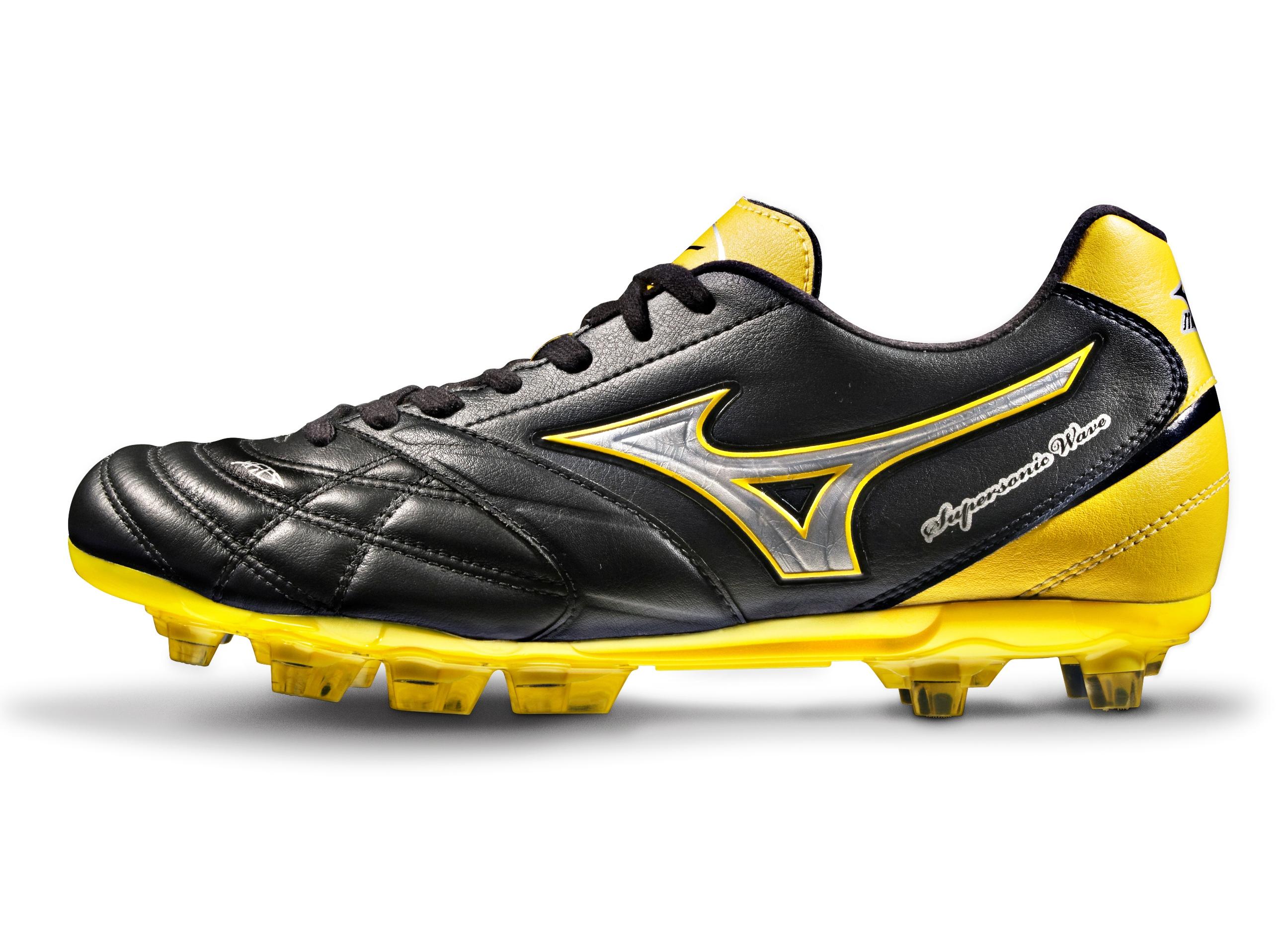 mizuno football boots