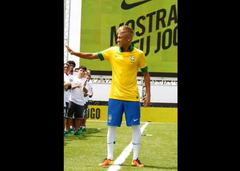 Neymar_Brazil_Home_Kit_2_original_17148
