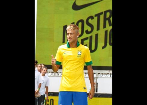 Neymar_Brazil_Home_Kit_3_17147