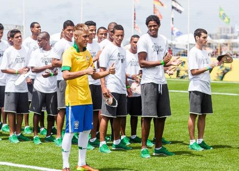 Neymar_Brazil_Home_Kit__17142