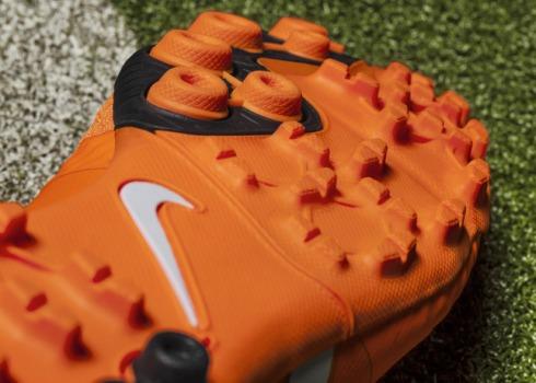 Nike_Bomba_Finale_II_Detail_Outsole_18059