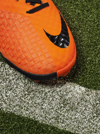 Nike_Bomba_Finale_II_detail_ToeBox_18060
