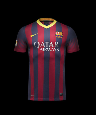 Fa13_FB_ClubKits_Barca_Authentic_Home_HERO_0476_20009