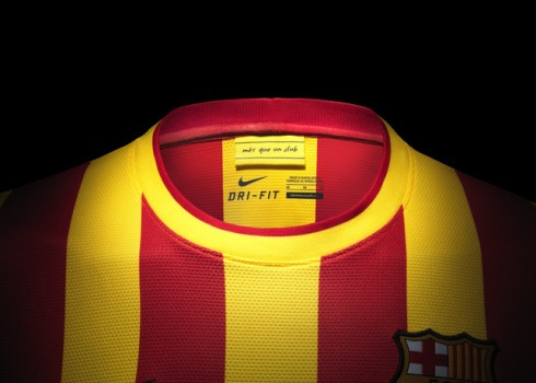 Fa13_FB_ClubKits_Barca_Replica_Away_COLLAR_0244_20011