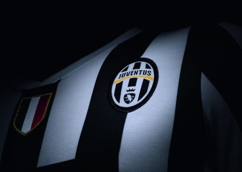 Fa13_Match_Juventus_H_Crest_C_19814