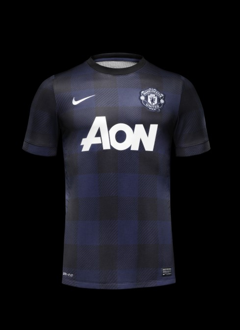 Fa13_FB_ClubKits_ManU_Authentic_Away_HERO_0432.jpeg