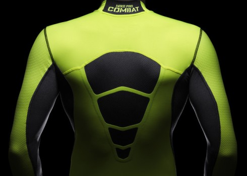 Ho13_FB_Hi-Vis_WE_NikePro_Back_R_24555