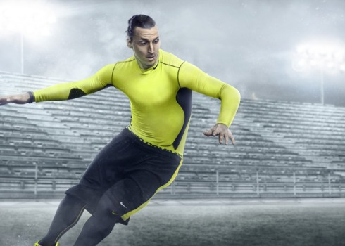 Ho13_FB_Hi-Vis_WE_Zlatan_Hero2_mercurial_f1_rgb_Hires_24536