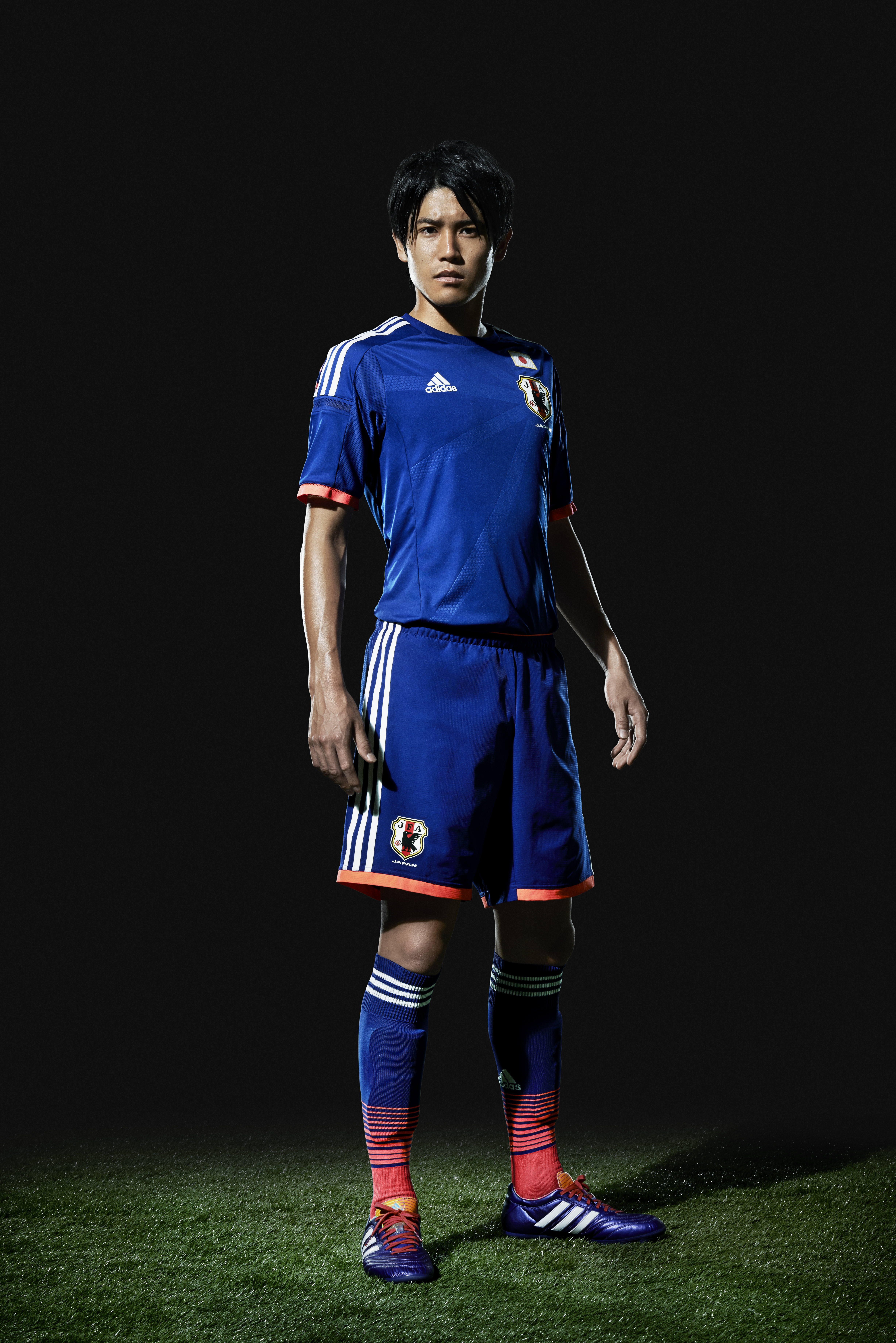 http://sportlockerdotcom.files.wordpress.com/2013/11/uchida.jpg