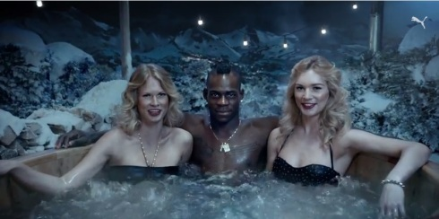 Balotelli hot tub