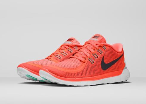 SU15_W_NikeFree_5_0_Pair_39232
