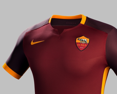 Fa15_Club_Kits_PR_Match_Crest_H_AS_Roma_R_42843