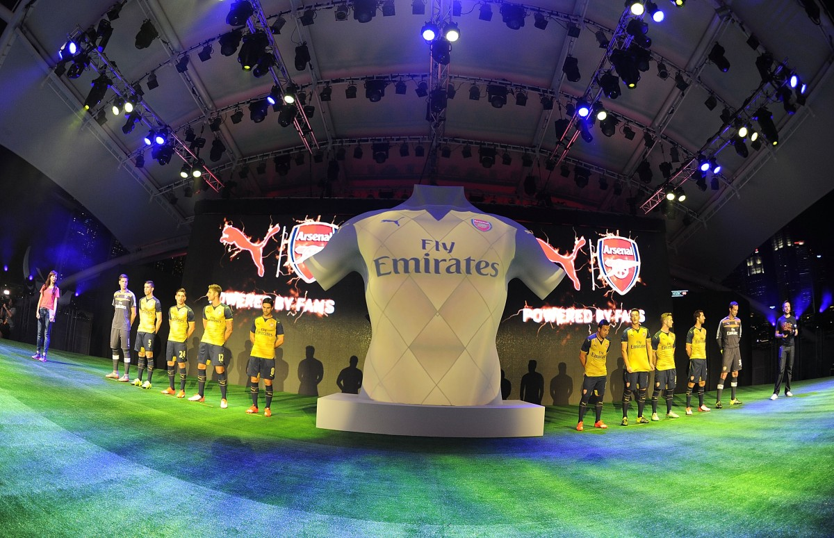 a0f1e0aef PUMA Reveal 2015 16 Arsenal Away Kit Through Spectacular Fan Show in ...