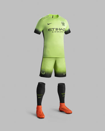 Ho15_Club_Kits_3rd_Jersey_PR_Full_Body_Manchester_City_R_46708