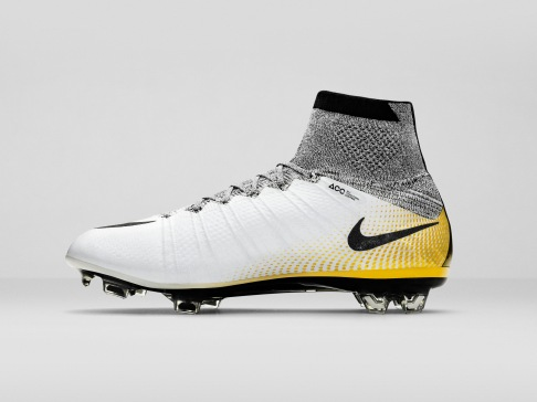 Nike_SP16_Superfly_CR7_gold_LAT_right_view_04_FLIP_V2_46787