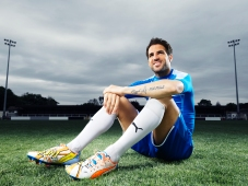 Cesc Fabregas Wears the New PUMA evoPOWER 1.2 Football Boot_6