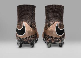 Nike_Football_LIQUID_CHROME_HYPERVENOM_PHANTOM_FG_747213_903_F_49314