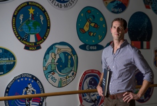 Jonathon Scott PHD Space Medicine Office, support for: BritainÕs Tim Peake, European Space Agency astronaut, in training for the Digital Virgin Money London Marathon on 24 April 2016. TimÕs six month mission on the International Space Station begins on 15 December 2015. Picture Bob Martin for Virgin Money London Marathon This picture may only be used with permission from Penny Dain at London Marathon