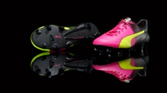 PUMA Football_Tricks_evoSPEED SL_on black_4