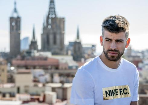 SU16_Nike_FC_Pique_1_54746